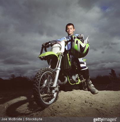 Quel équipement motocross avoir pour protéger les motards en herbe ?